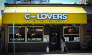 Fish and chips en el C-Lovers de English Bay