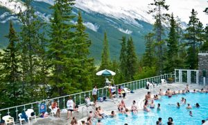 Banff Upper Hot Springs: piscinas de aguas termales en las Montañas Rocosas