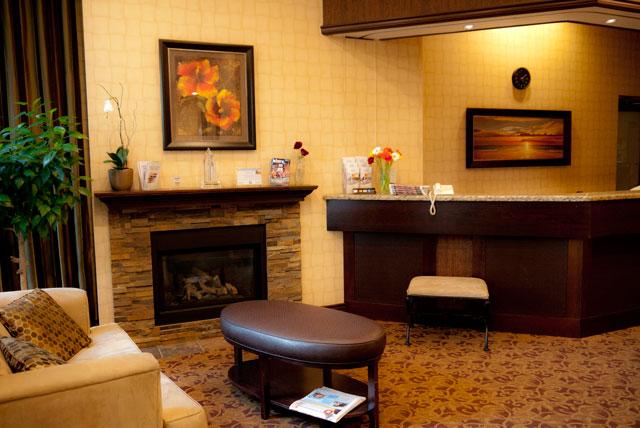Recepción del Sunset Inn & Suites Downtown Vancouver