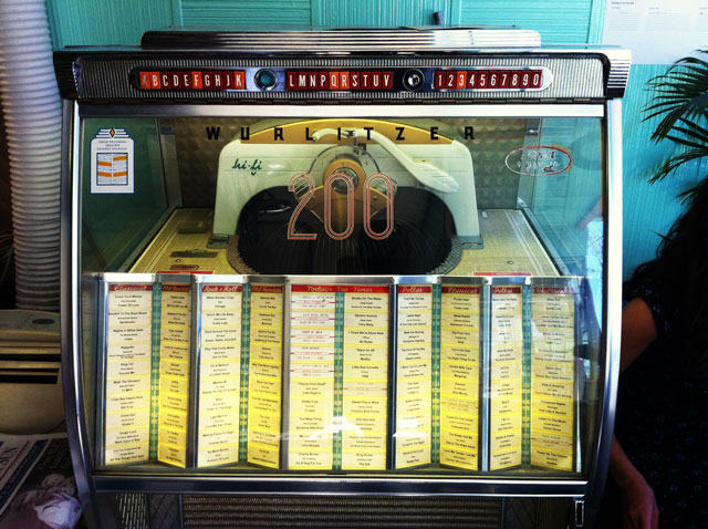 Templeton, máquina de discos