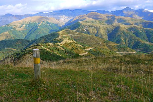 Sendero de pequeño recorrido al pico Pelopín. Pirineos aragoneses.