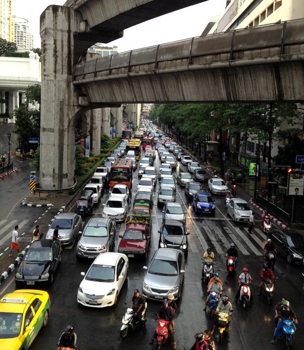 Tráfico en Bangkok, Tailandia