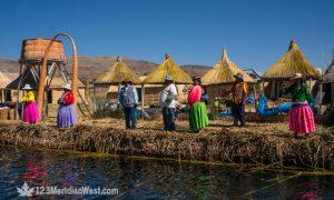Lo mejor de Puno: Sillustani, islas de los Uros y mirador del Cóndor