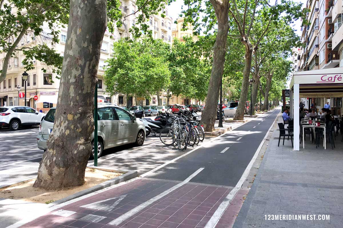 Valencia en bici carril Navarro Reverter