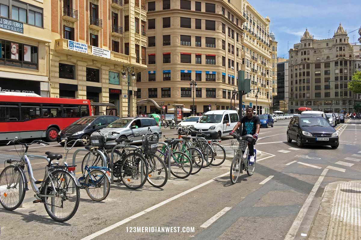 Valencia en bici. Estación del Norte, Renfe