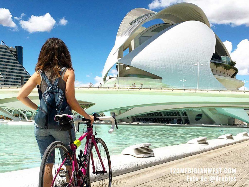 Valencia en bici Ciudad de las Artes y las Ciencias
